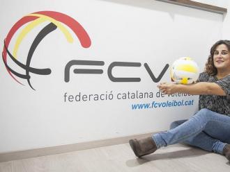Maribel Zamora simula una recepció a la seu de la federació catalana