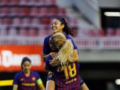 Hamraoui i Leila celebren l'1-0 marcat per la francesa