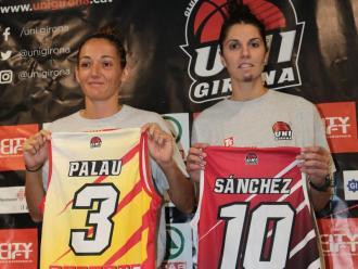 Bea Sánchez, a la dreta.