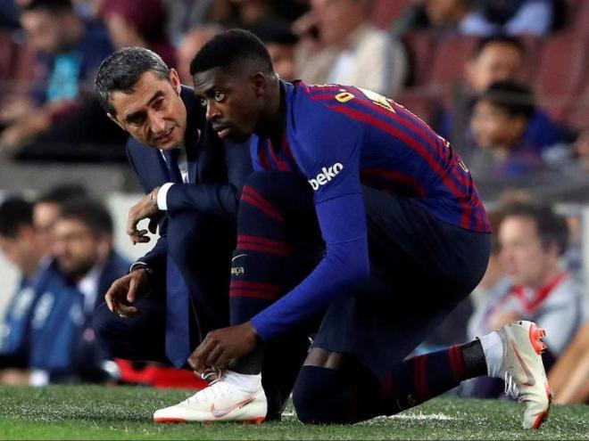 Valverde i Dembélé, en el moment del canvi de Messi