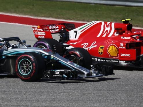 Räikkönen supera Hamilton en l'arrencada de la cursa