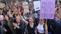Manifestació contra la sentència de La Manada, a la plaça Sant Jaume de Barcelona, l'abril passat