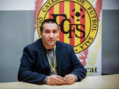 Dani Vives és nascut a Balaguer i té 51 anys
