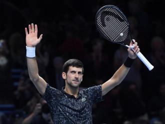 Djokovic saluda els aficionats després de consumar el seu segon triomf