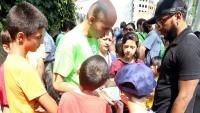 Nens marxant de colònies amb la Fundació Pere Tarrés aquest estiu