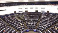 Ple del Parlament Europeu a Estrasburg, el 3 d'octubre, amb eurodiputats lluint samarretes grogues per reclamar la llibertat dels presos