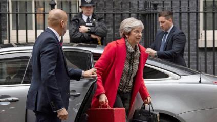 May, arribant ahir al número 10 de Downing Street