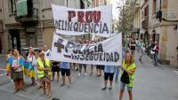 Veïns de la Barceloneta durant una manifestació a l'agost contra la inseguretat al barri
