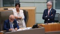 Jan Peumans, president del Parlament flamenc, i el president de Flandes, Geert Bourgeois (dreta), el 17 d'octubre