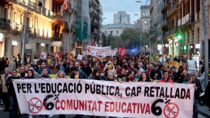 Manifestació de la comunitat educativa pel centre de Barcelona