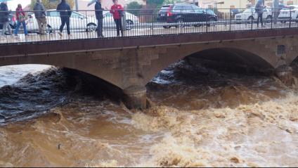 El riu Daró al seu pas per la Bisbal d'Empordà