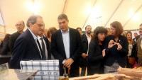 El president de la Generalitat, Quim Torra, amb la resta d'autoritats que han visitat el primer dia del Fòrum Gastronòmic de Girona