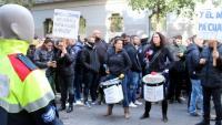 La concentració al davant de la conselleria d'Interior de mih miler de mossos