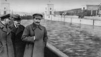 Stalin sense el camarada Yezhov, per cortesia de la censura soviètica