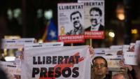 Concentració contra el primer any a la presó de Jordi Sànchez i Jordi Cuixart, a Barcelona