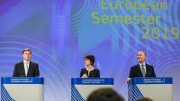 El vicepresident de la Comissió Europea, Valdis Dombrovskis, la comissària Marianne Thyssen i el comissari europeu d'Afers Econòmics, Pierre Moscovici