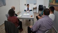Sessió de teràpia amb familiars de ludòpates, dirigida per la psicòloga clínica Mercè Soms