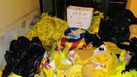 Imatge dels llaços grocs <i> i del lavabo que l'alcalde de Vilassar de Mar va penjar al seu compte de Twitter</i>