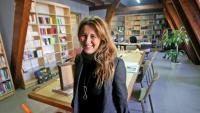 Iolanda Batallé Prats, directora de l'Institut Ramon Llull, al despatx de les golfes del Palau del Baró de Quadres