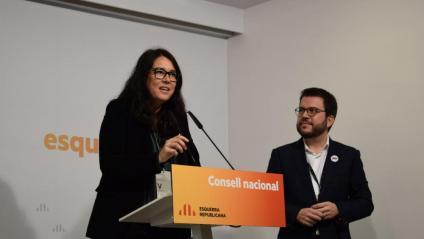 Diana Riba, número dos d'ERC en la candidatura conjunta a les eleccions europees, amb el vicepresident del govern Pere Aragonès