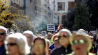 """Centenars de manifestants surten al carrer per reclamar pensions """"dignes"""""""