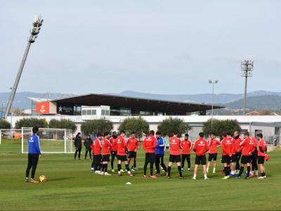 La plantilla del Reus en un entrenament recent als camps annexos a l'estadi municipal