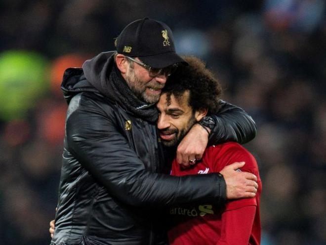 Klopp i Salah, celebrant la classificació del Liverpool per als vuitens de la Champions