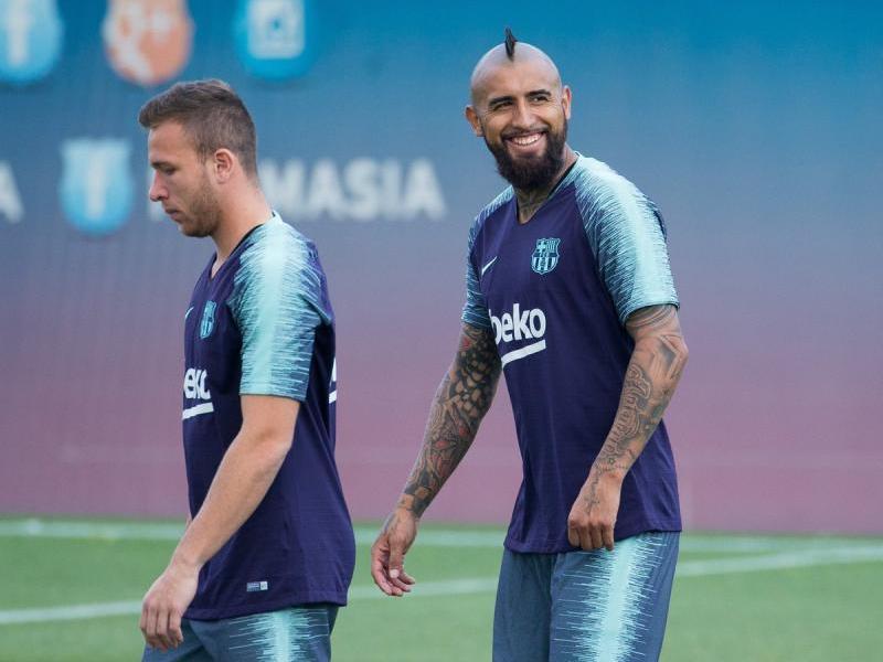 Arthur i Arturo Vidal, en un entrenament d'aquesta temporada