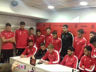 Els jugadors del Reus durant la lectura del comunicat