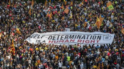 Manifestació del primer aniversari de l'1-O, a Barcelona