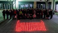 Imatge dels assistents anit als actes d'inici del dejuni de 24 hores a la UVic-UCC