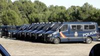 Alguns dels vehicles policials desplaçats per garantir la seguretat del Consell de Ministres de divendres a Barcelona