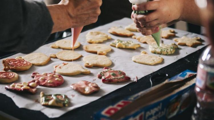 L'elaboració de galetes va formar part del darrer projecte solidari Arola en Acció, del grup del mateix nom, de Barcelona.