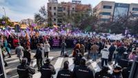 Dues mil persones, amb un suport de 200 entitats, es van concentrar al Parlament