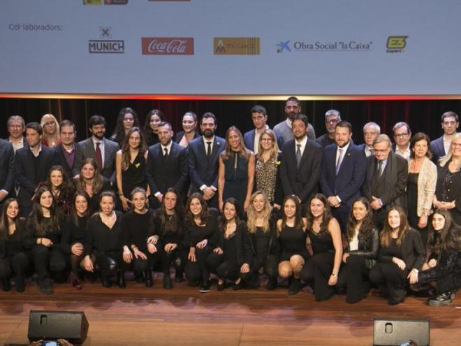 Foto de grup dels premiats en la Festa de l'Esport Català, ahir