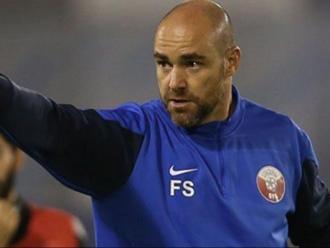 Félix Sánchez dirigint un entrenament de la selecció de Qatar