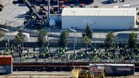 Els taxistes s'han manifestat per les instal·lacions del Port de Barcelona
