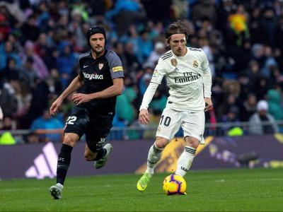 Vázquez i Modric, durant el partit d'aquesta tarda