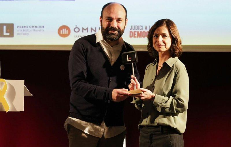 Imatge del lliurament del premi.