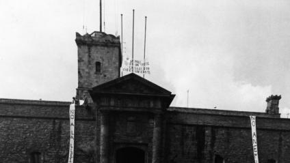 Acte de protesta dels objectors de consciència al castell de Montjuïc de Barcelona, el 1984 Acte de protesta dels objectors de consciència al castell de Montjuïc de Barcelona, el 1984