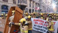 La manifestació que van protagonitzar els bombers al desembre al centre de Barcelona fins a les portes del Parlament