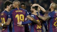 Els jugadors del Barça celebren el gol de Messi