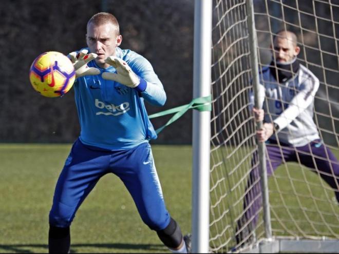 Jasper Cillessen, en un entrenament amb el FC Barcelona