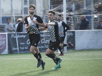 Sergio Castillo i Domi celebren un gol aquesta temporada