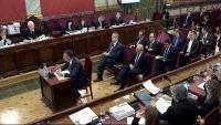 Santi Vila responent com a acusat davant el fiscal Javier Zaragoza ahir en el sisè dia de judici de l'1-O