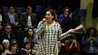 Ada Colau, durant l'acte amb nous militants de Barcelona en Comú, celebrat ahir al Casinet d'Hostafrancs, a Barcelona