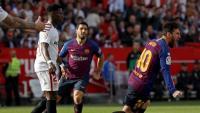 Leo Messi celebra un dels tres gols que va marcar ahir al Pizjuán