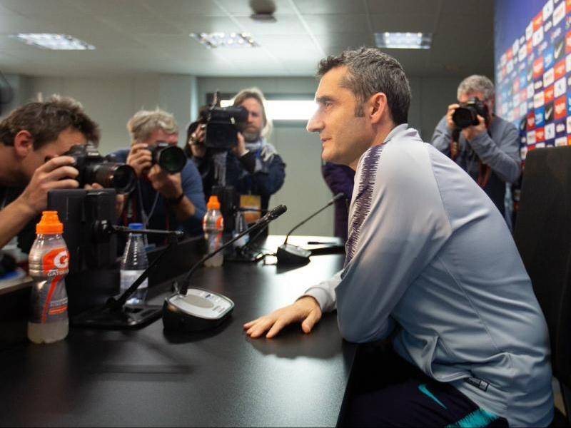 El tècnic del Barça a la sala de premsa de la ciutat esportiva