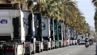Imatge dels camions al Passeig de Colom durant la protesta