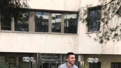 Alemany sortint del jutjat de Guàrdia de Madrid